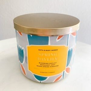 Bath and body works 3 wick Spring Daylily candle